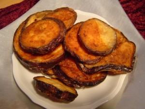 פרוסות חצילים קלויים בתנור לכל דבר