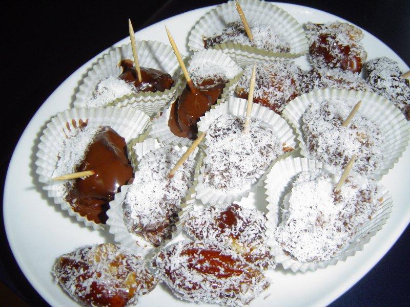 d7aad79ed7a8d799d79d - סוכריות תמרים ממולאות ומצופות שוקולד