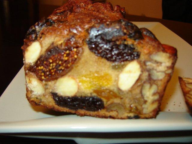 עוגת שפע פירות יבשים