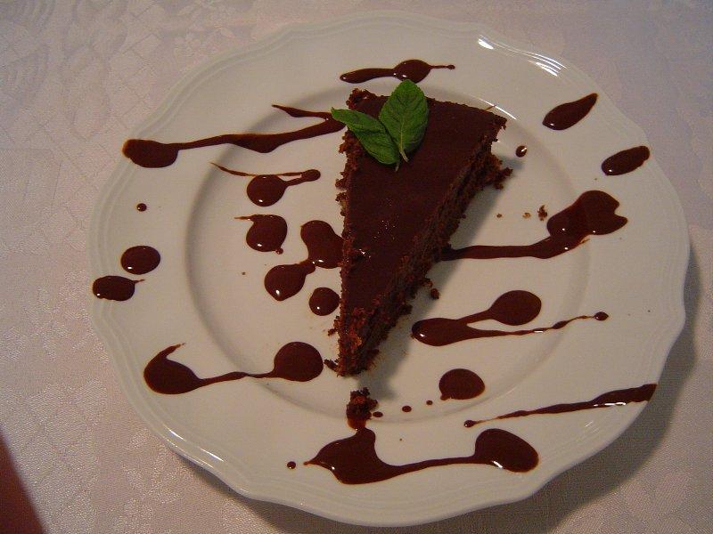 פרג שוקולדית 1 - טורט פרג (ישן) עסיסי בציפוי שוקולדה