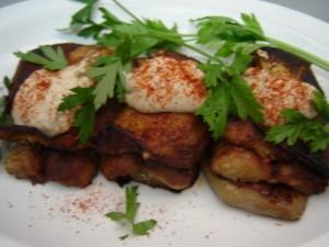 קבב בשר חצילים וטחינה - סנדוויץ'
