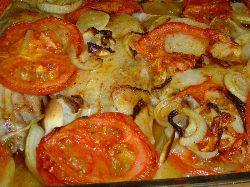 d7a2d795d7a3 d7aad7a4d795d797d799 d7aad7a0d795d7a8 d790d79ed790 - עוף בצלים ועגבניות על מצע תפוחי אדמה