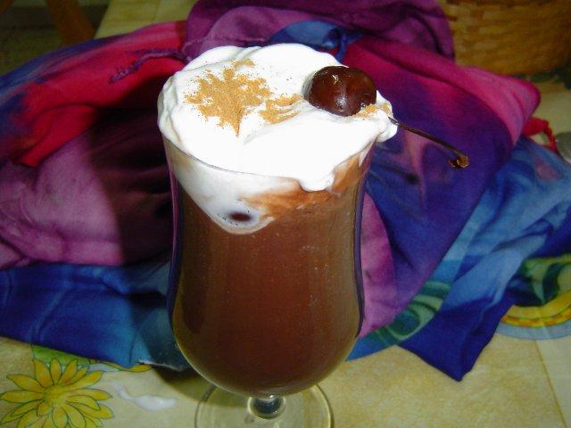 d7a9d795d7a7d795d79cd793d794d794 - שוקולדה שוקולטה משקה חם עם שוקולדצ'יפס