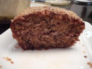 עוגת קוקוס כהה