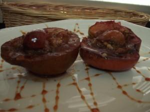 תפוח עץ ממולא בטחינה וסילאן-אפוי ביין