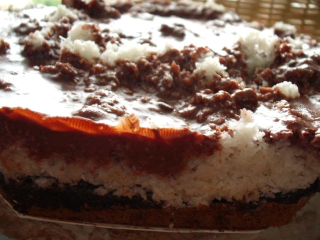 פרג קוקוס שוקולדה 1 - עוגת גלידה פרג קוקוס שוקולדה-גם לפסח