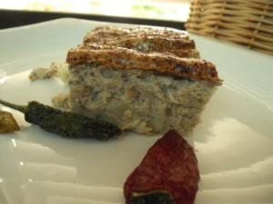 פשטידת חומוס אטריות ופטריות
