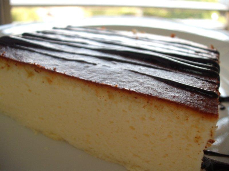 d79ed795d7a7d7a6d7a32 1 - עוגת גבינה מוקצפת עם שמנת מתוקה
