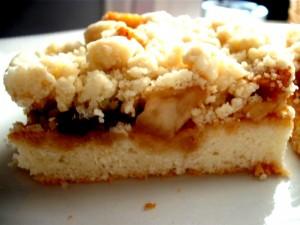 עוגת גבינה שכבות פירות ופירורים