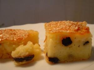 בואיקוס גבינה וזיתים עם ציפוי שומשום-לאירוח