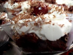 dscf6132 300x225 - עוגת היער השחור -  אישי