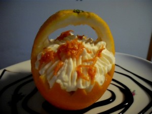סלסלת תפוזים ממולאת בקרם