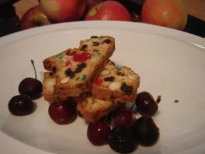 עוגיות יבשות בשלל פירות יבשים