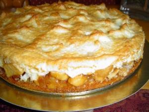 עוגת תפוחים בציפוי קצף עם תחליף סוכר