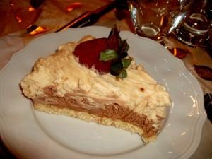 עוגת שכבות חגיגית וקלת הכנה לפסח