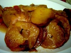 עוף תפוחי אדמה ובצל – אפוי כחמינוף