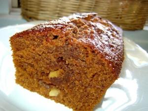 עוגת דבש עם אגסים ואגוזים