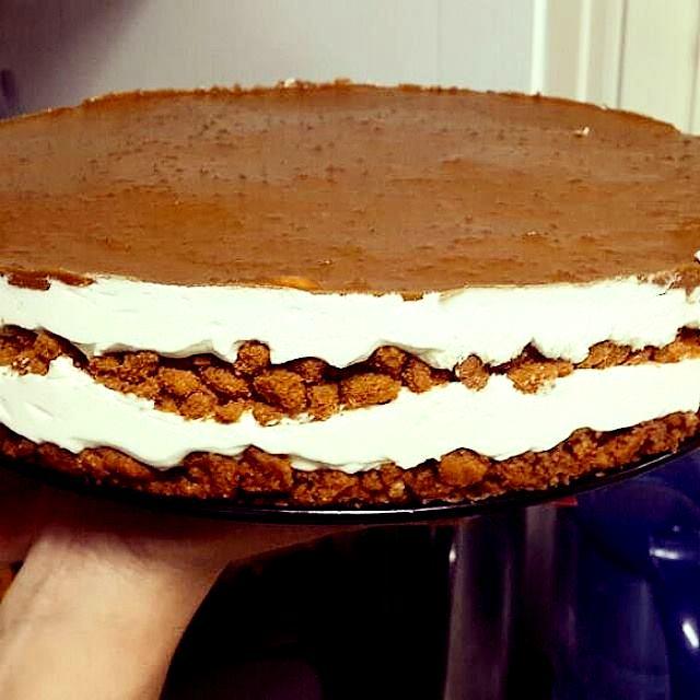 d79cd795d798d795d7a1d7a1d7a1 - עוגת ביסקוויטים בציפוי קרם לוטוס קראנצ'