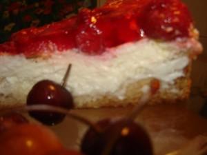 עוגת גבינה בציפוי תותים וג'לי