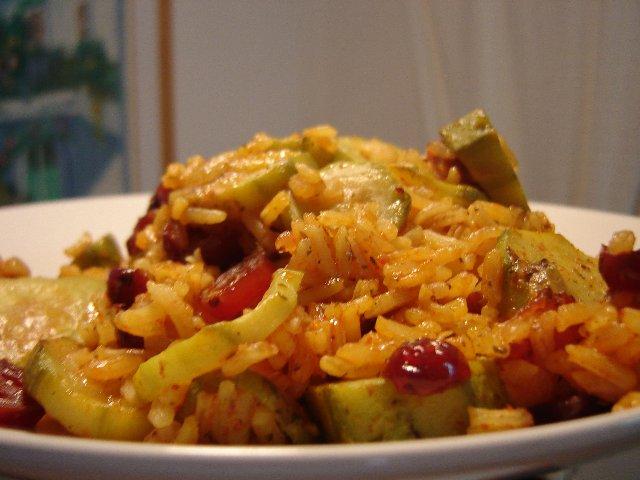 קישואים אתר2 - אורז עם קישואים ועיטורי עגבניות