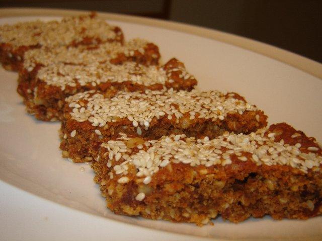 וגם - עוגת בריאות שטוחה בתבנית