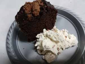 20171004 210439 300x225 - 3 עוגות שוקולד חמות באינגליש קייק