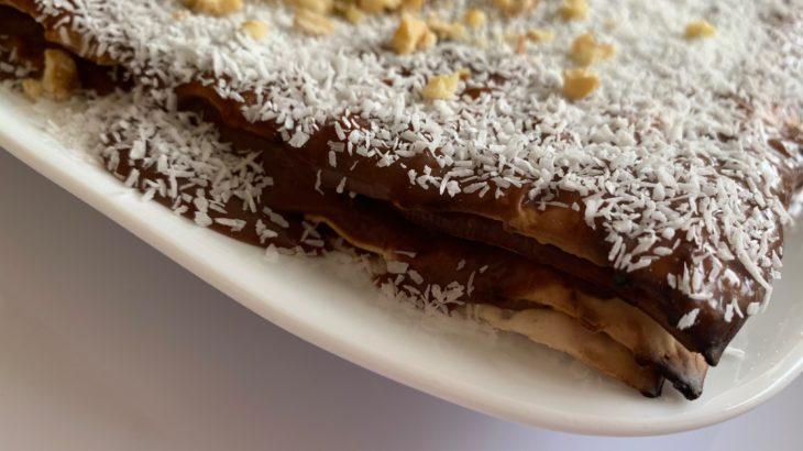 cid EB12F5F8 7023 4F6D B849 FA41360A4F29 730x410 - עוגת מצות עם קרם טחינה סילאן ושוקולד