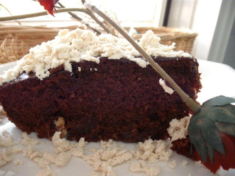 7 - עוגת שוקולד עם חלבה ותמרים